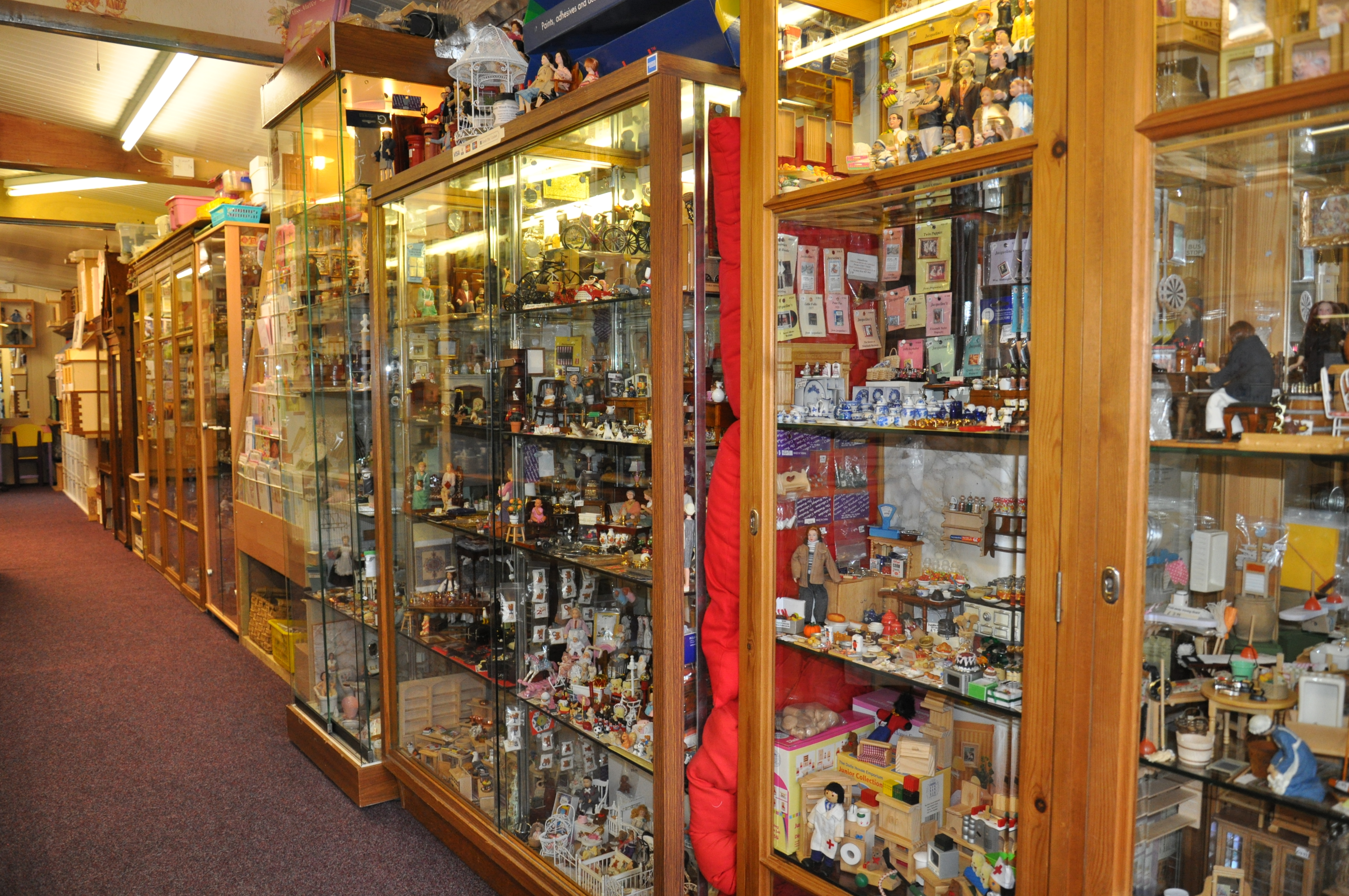 Dolls House Miniatures for Sale